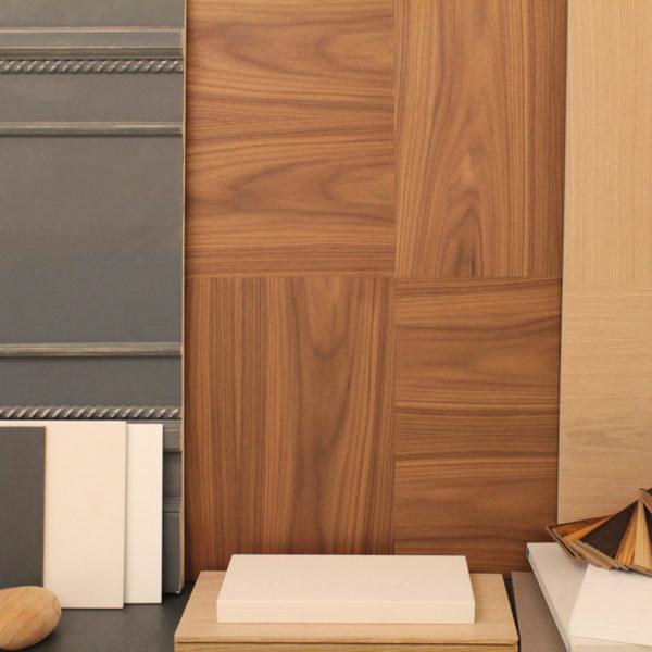 Campionatura di colori e finiture del legno