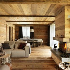 Soggiorno in legno in abitazione in montagna