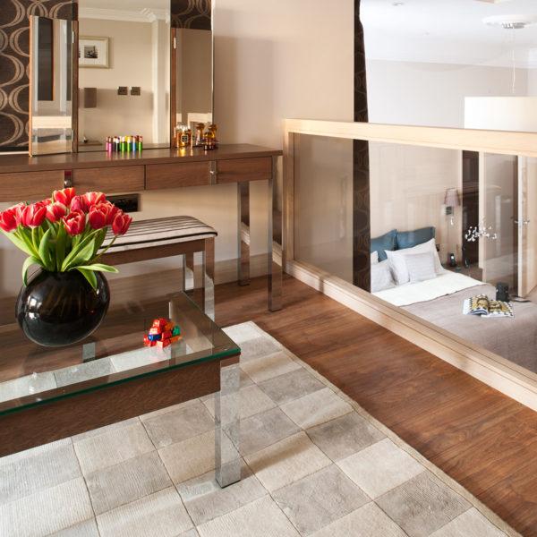 Appartamenti a Londra con arredi in legno realizzati su misura