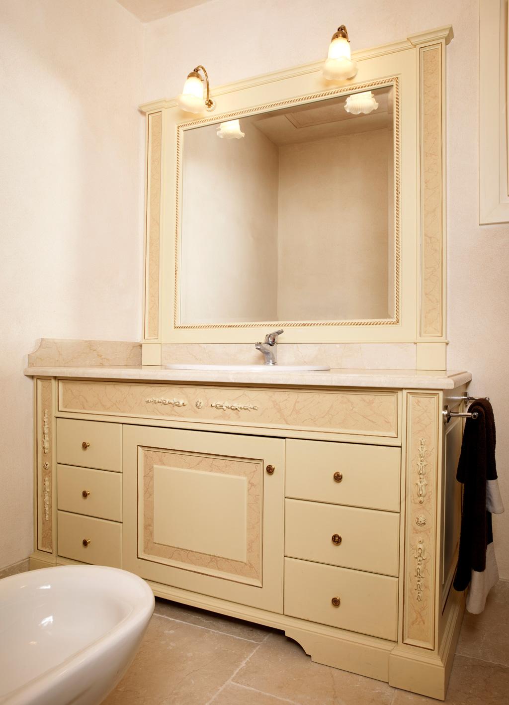 Mobili bagno classici legno perfect e vendita mobili da bagno classico brescia with mobili - Mobili bagno decape ...